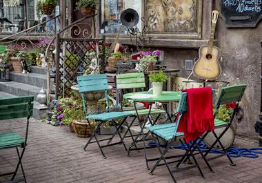 A quaint outdoor café