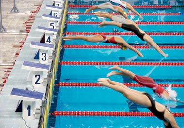 In this event, the swimmers do four laps of freestyle.
