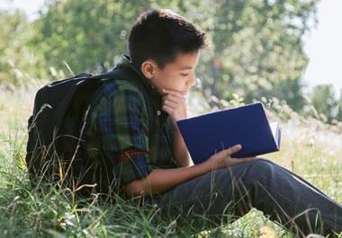Reading broadens children's horizons.