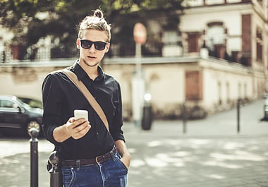 "New hair trend for men: the ""man bun"""