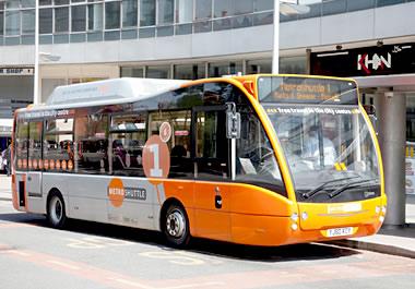 Diesel-electric hybrid bus